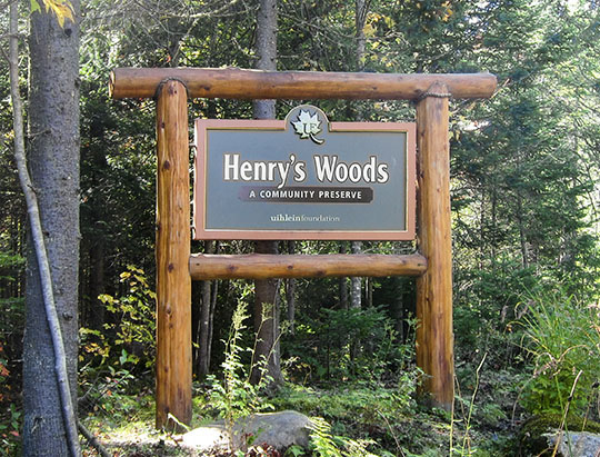 Henry's Woods Trail entrance sign on the Bear Cub Road (24 September 2013)